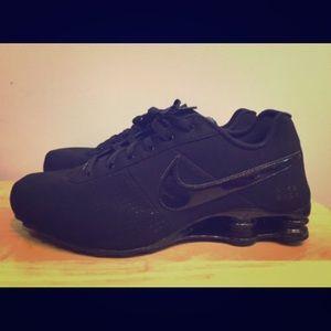 cheaper b18a4 56479 Nike Shoes - 🆕 Men s or Women s Black Nike Shox Deliver